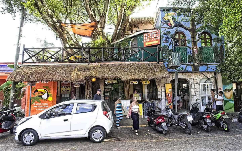 Casa Tucan calle 4 entrance