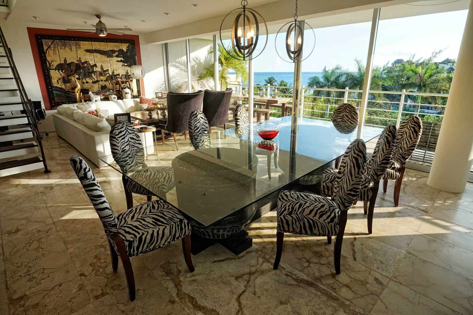 Magia penthouse dining with a spectacular view