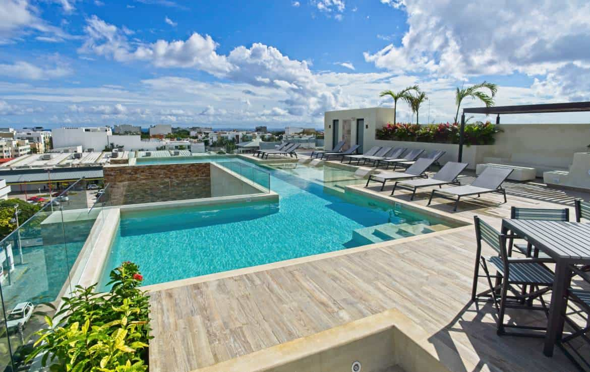 Spectacular rooftop vistas to Caribbean and Cozumel