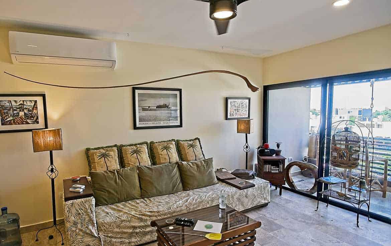 Veranto 402 Living Room