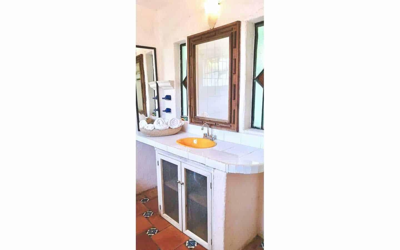 Upper apartment bathroom